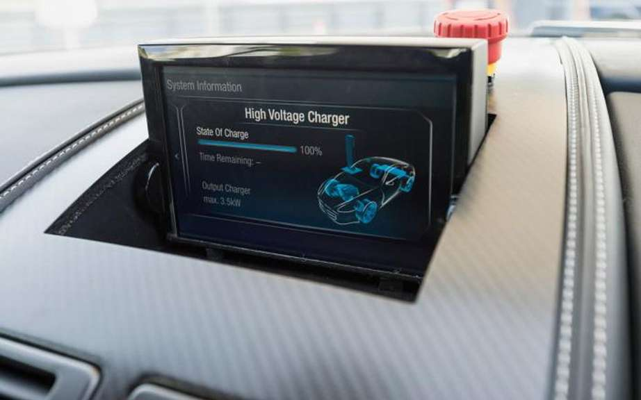 Aston Martin Bosch design and a rechargeable hybrid DB9 picture #9