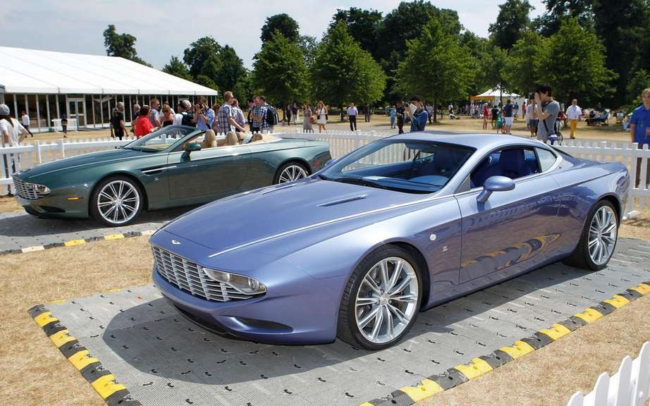 Aston Martin DBS and DB9 Coupe Zagato Spyder bearing the signatures picture #3