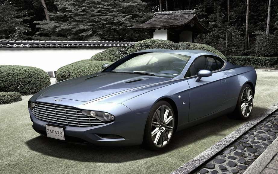 Aston Martin DBS and DB9 Coupe Zagato Spyder bearing the signatures picture #4
