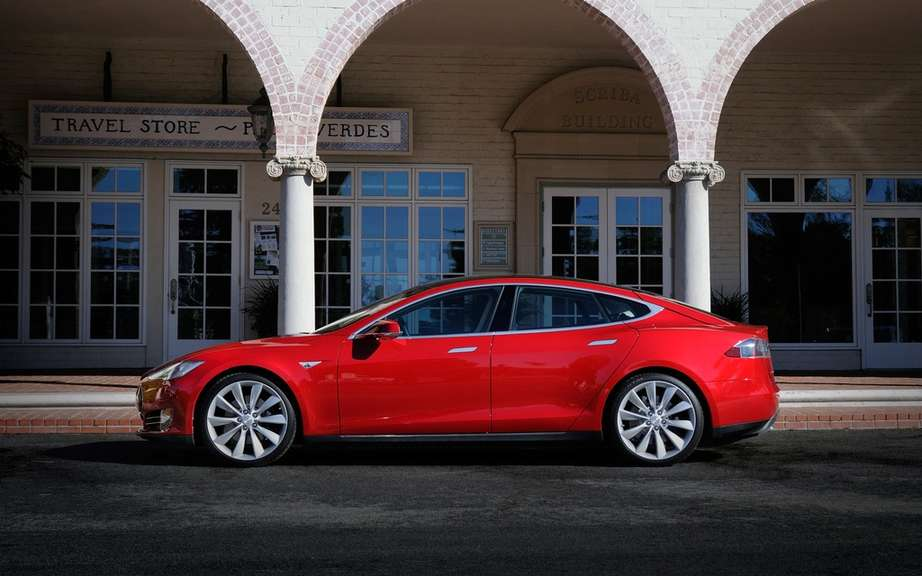 Tesla Model S Lengthens wheelbase to the Chinese market? picture #5