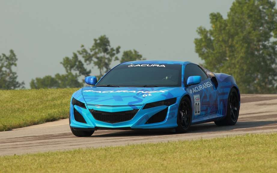 Acura NSX: the prototype unveiled at Mid-Ohio Raceway before the Honda Indy 200 IndyCar picture #2