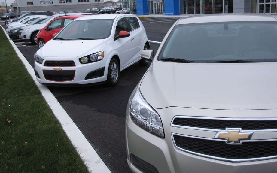 GM Canada sales up 2 percent picture #1