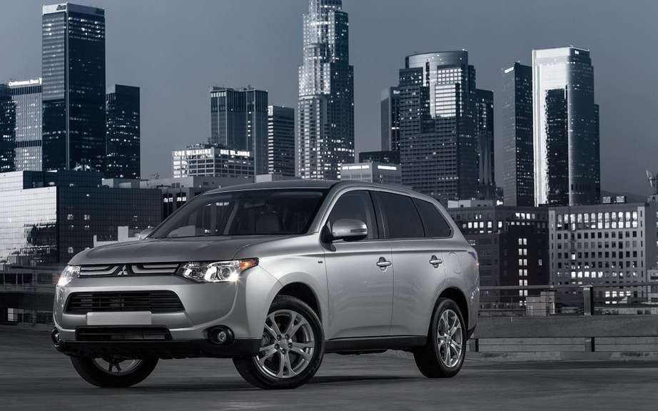 Mitsubishi Outlander 2014 from $ 25,998 picture #2