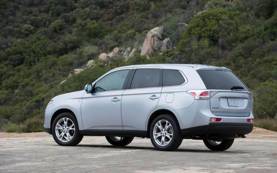 Mitsubishi Outlander 2014 from $ 25,998 picture #5
