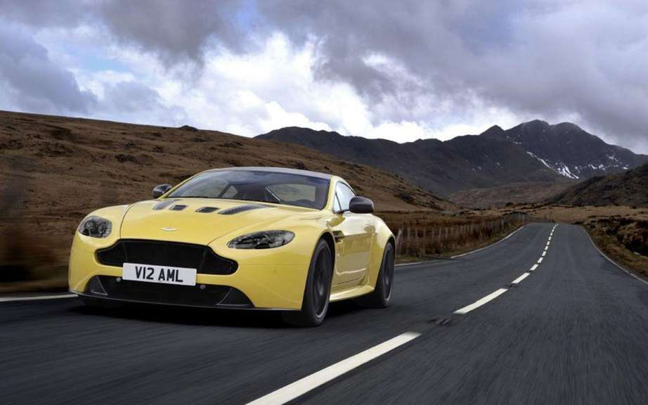 Aston Martin V12 Vantage S: with the engine of the Vanquish picture #3