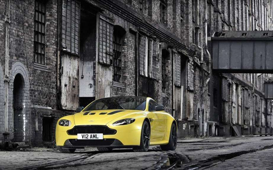Aston Martin V12 Vantage S: with the engine of the Vanquish picture #5