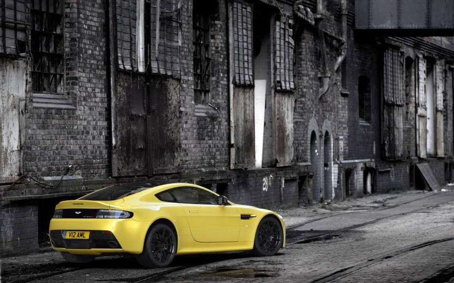 Aston Martin V12 Vantage S: with the engine of the Vanquish picture #6