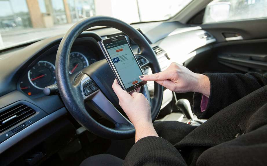 Alberta: Campaign against portable devices while driving picture #4