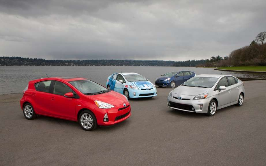Toyota Prius 1.9 million recalled cars picture #4