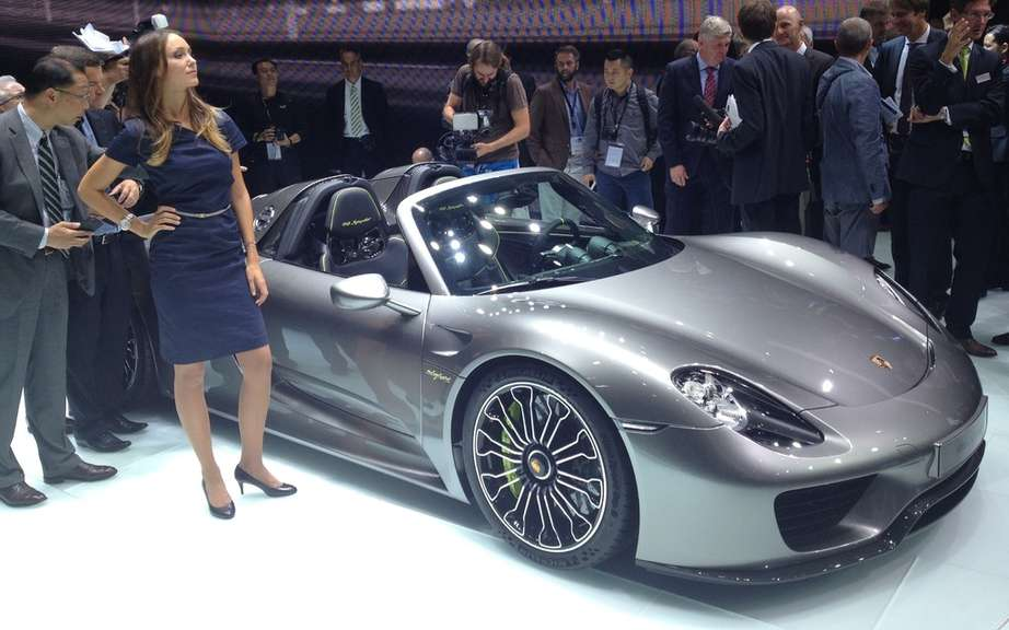 Porsche 918 Spyder HAS Produced 918 copies picture #2