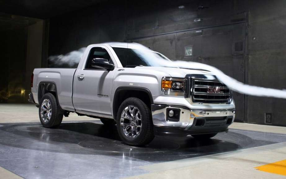 GMC Sierra 2014 Regular Cab tunnel picture #5