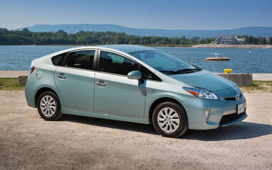 Toyota Prius 1.9 million recalled cars picture #7