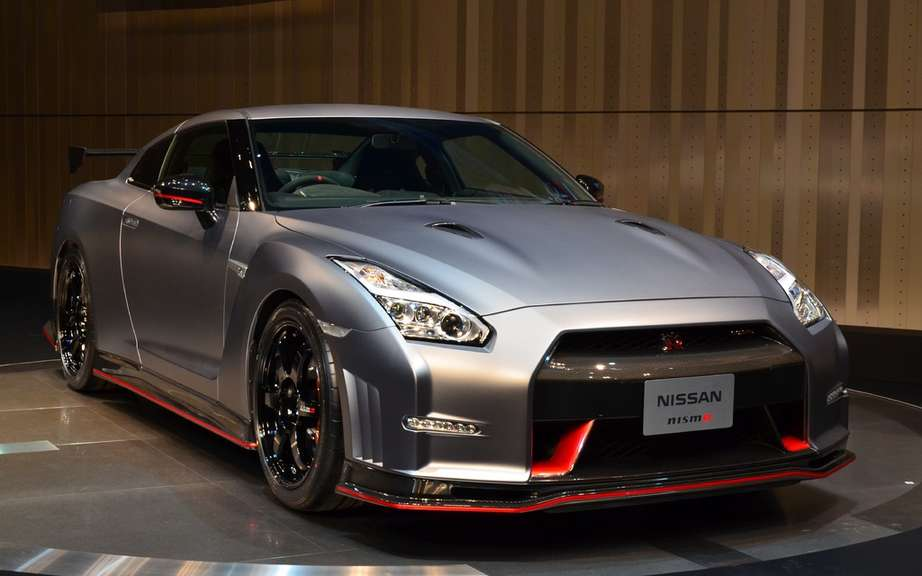 Nissan GT-R Bolt Gold 2014: Usain Bolt has reserved