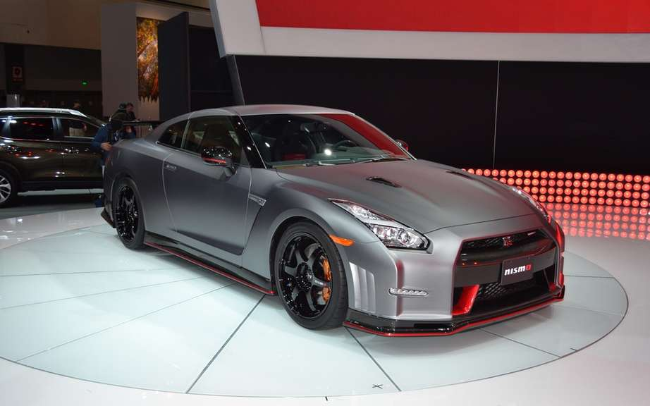 Nissan GT-R Bolt Gold 2014: Usain Bolt has reserved picture #3