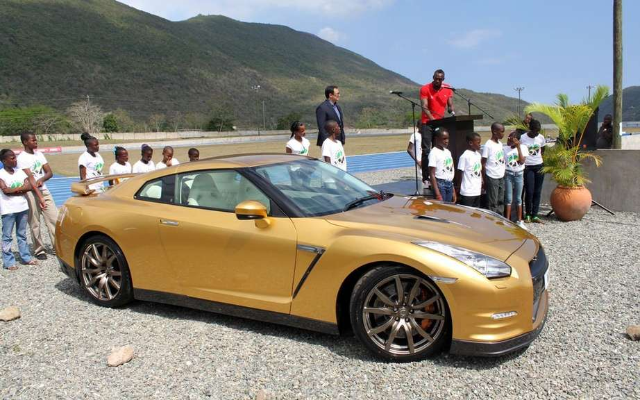 Nissan GT-R Bolt Gold 2014: Usain Bolt has reserved picture #7