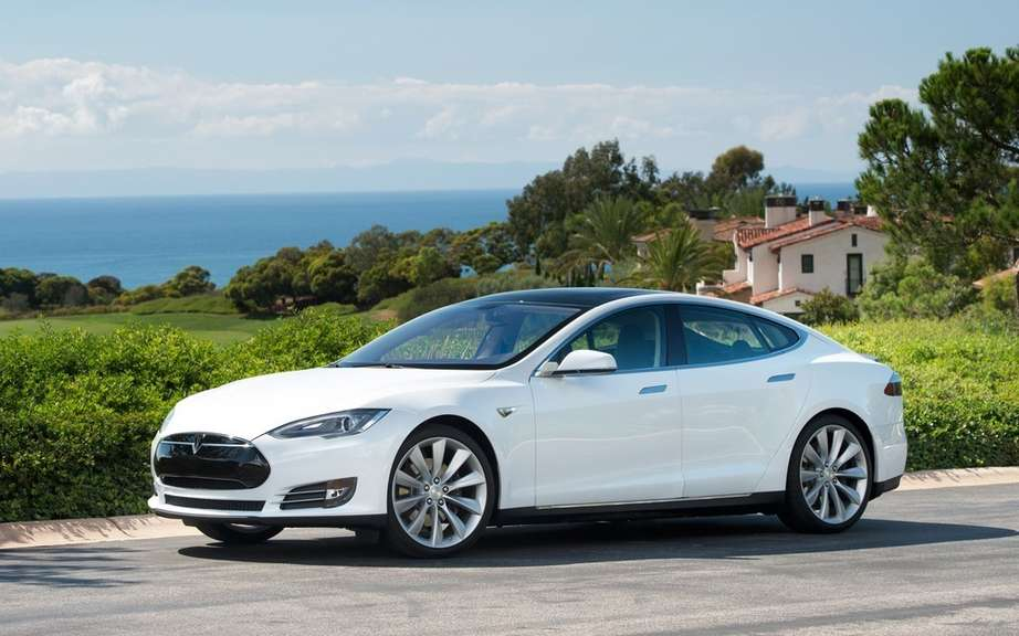 Tesla Model S more popular than the Chevrolet Volt picture #5