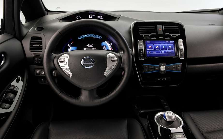 Nissan Canada reduced the price of its 2013 LEAF picture #7