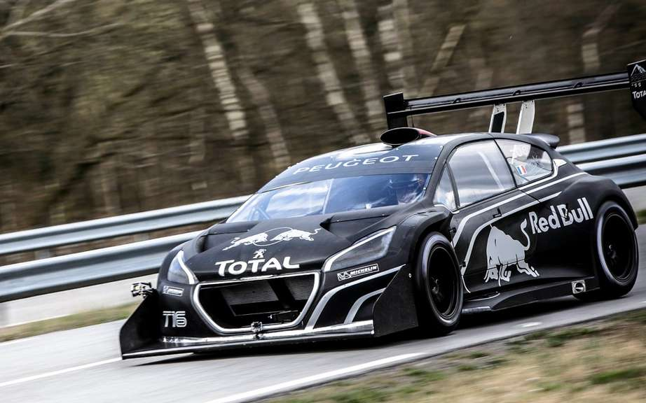 sebastien loeb the peugeot 208 t16 pikes peak is a rocket. Black Bedroom Furniture Sets. Home Design Ideas