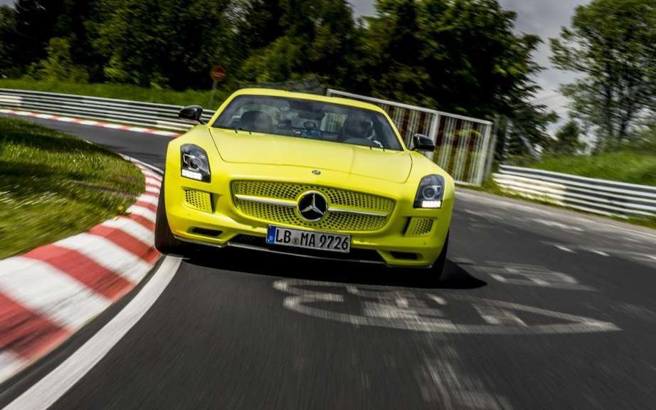 Mercedes-Benz SLS AMG Electric Drive: Champion Nurburgring picture #5