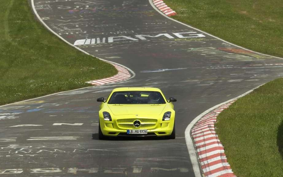 Mercedes-Benz SLS AMG Electric Drive: Champion Nurburgring picture #6