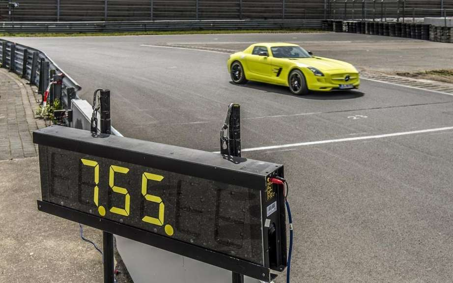 Mercedes-Benz SLS AMG Electric Drive: Champion Nurburgring picture #7