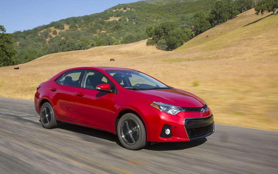 Toyota Corolla 2014, new forms rather angular picture #10
