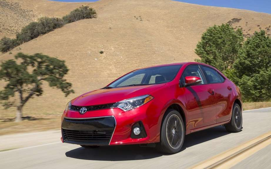 Toyota Corolla 2014, new forms rather angular picture #12