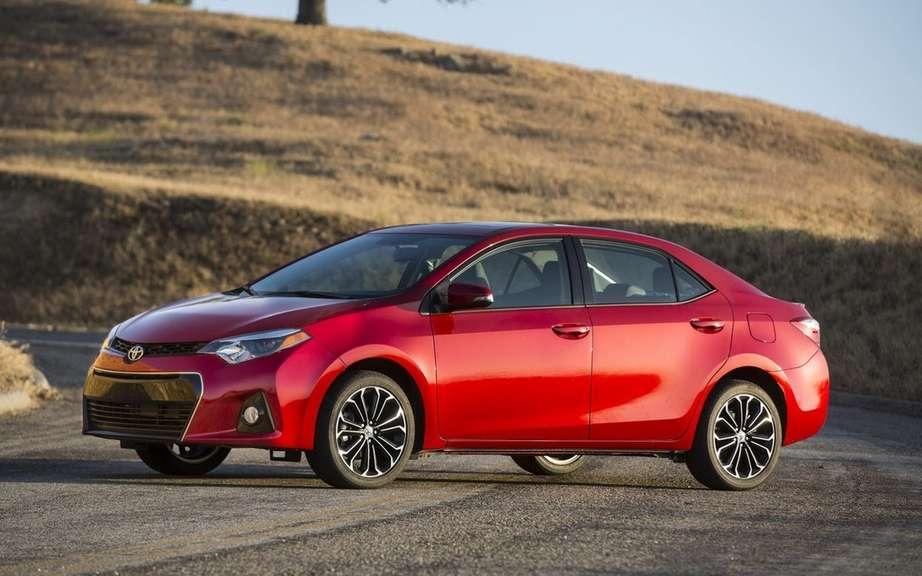Toyota Corolla 2014, new forms rather angular picture #14