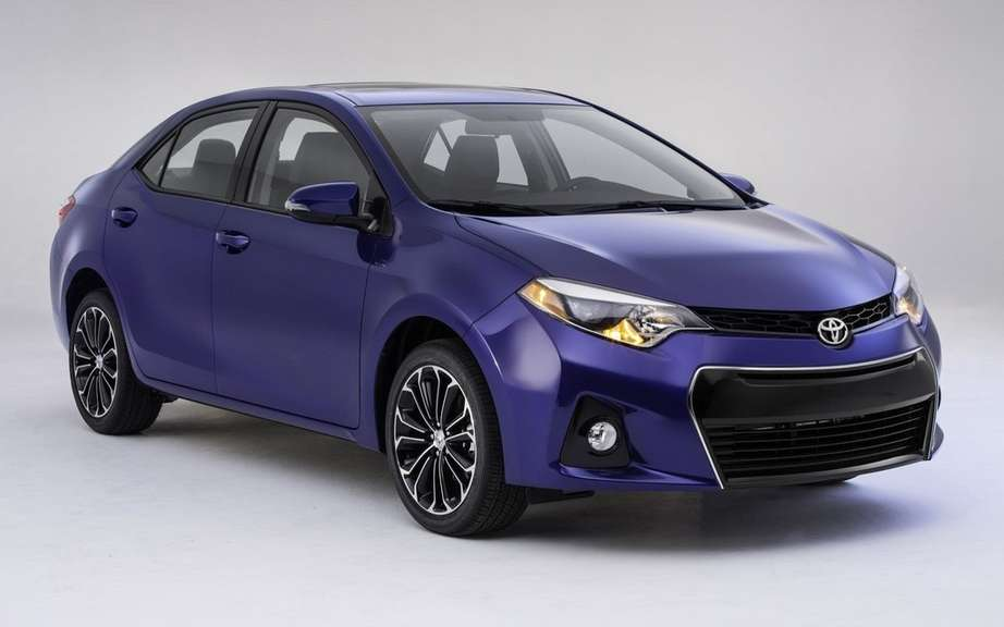 Toyota Corolla 2014, new forms rather angular picture #15