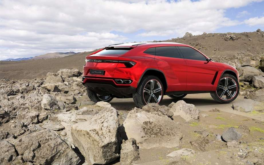 The Lamborghini Urus is built in Slovakia picture #5