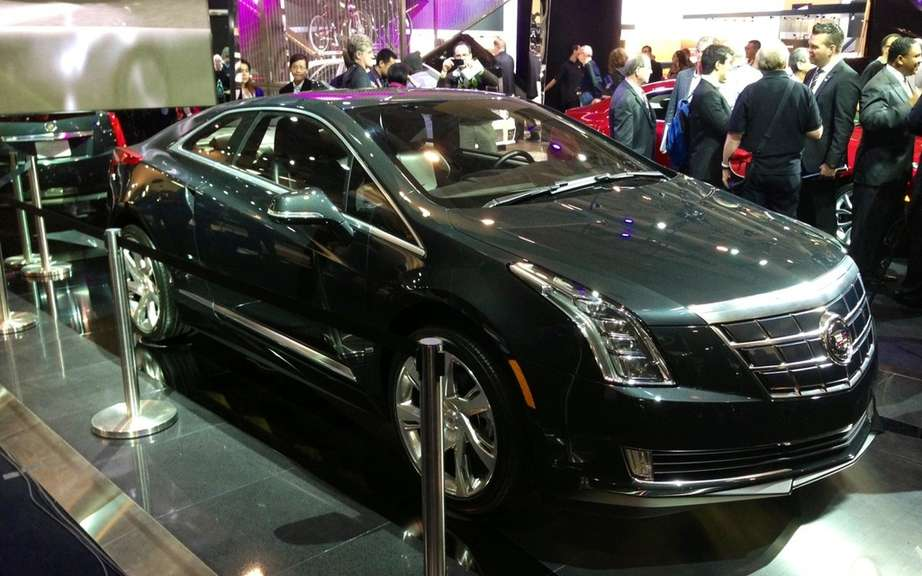 Cadillac ELR: the energy control is in the hands of the driver picture #4