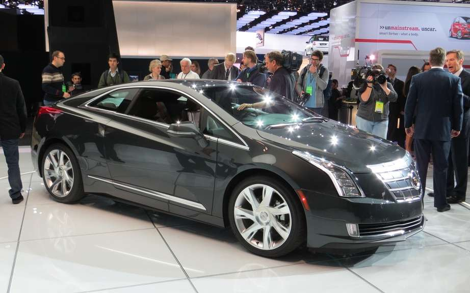 Cadillac ELR: the energy control is in the hands of the driver picture #5