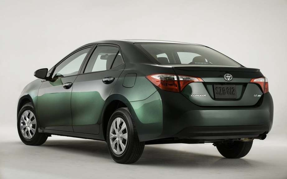 Toyota Corolla 2014, new forms rather angular picture #18