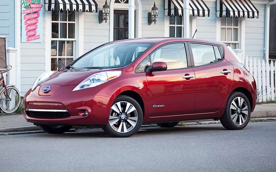 Nissan LEAF: six cars taxis for the City of New York