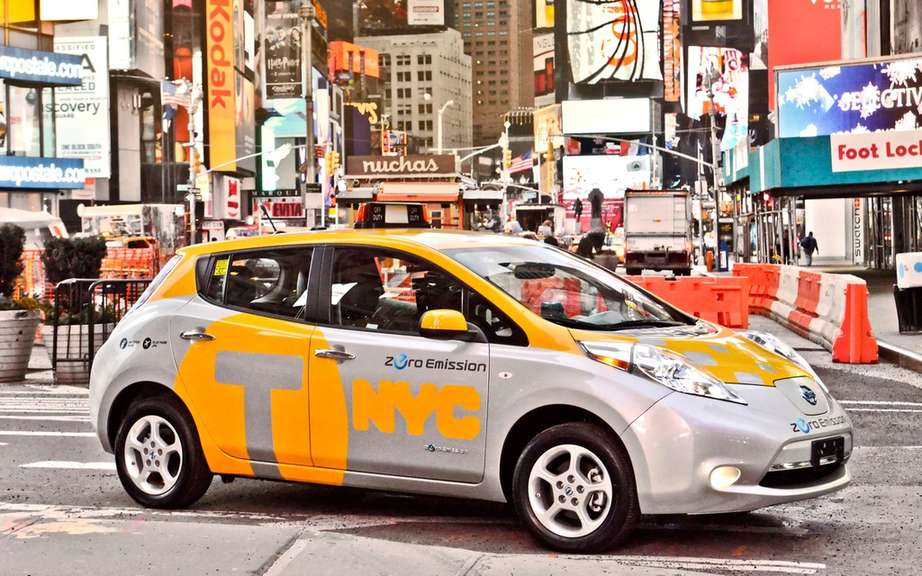Nissan LEAF: six cars taxis for the City of New York picture #3