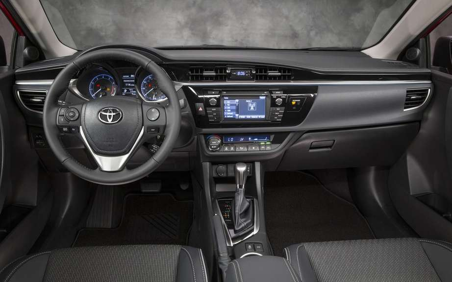 Toyota Corolla 2014, new forms rather angular picture #20