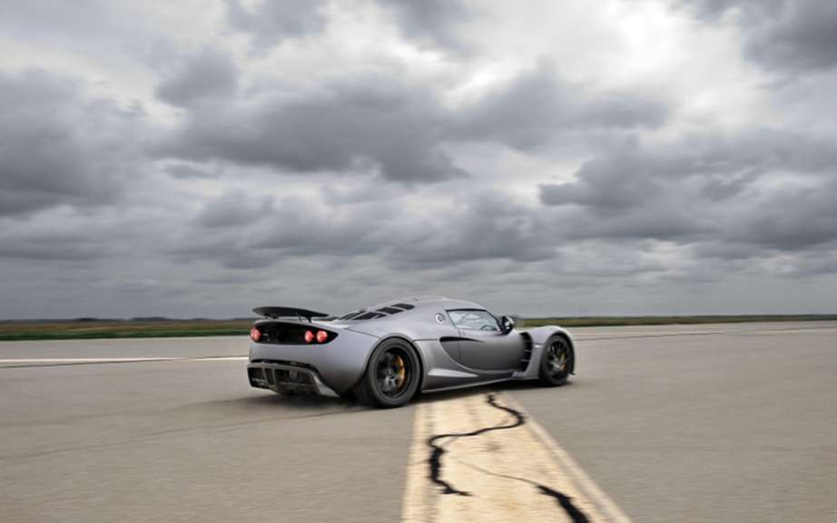 Hennessey Venom GT: as fast as a Bugatti picture #6