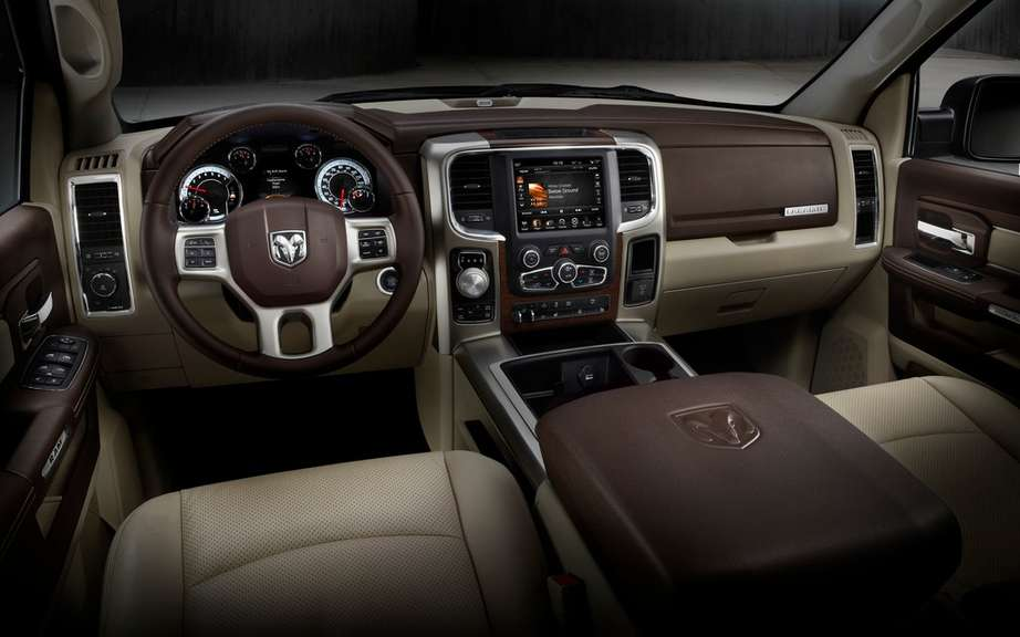 The 10 best interiors in 2013 Ward's Auto World picture #1