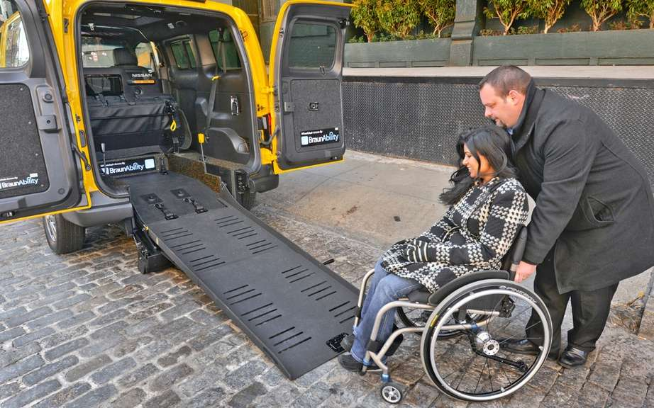 Nissan NV200 Taxi adapted for wheelchairs picture #3