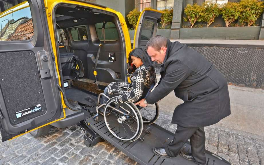 Nissan NV200 Taxi adapted for wheelchairs picture #4