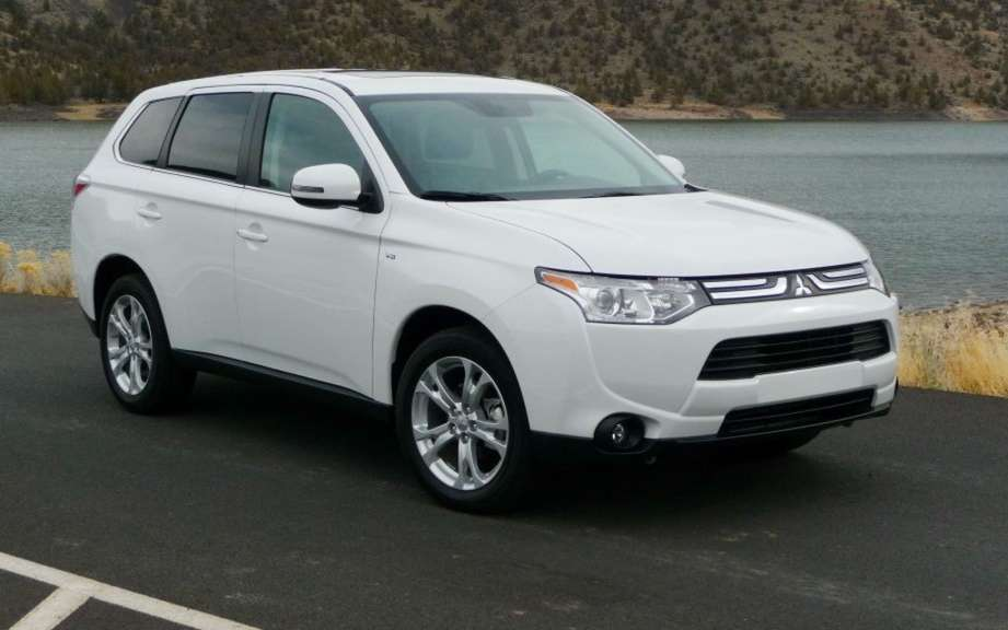 Mitsubishi Outlander 2014, more than three months wait! picture #2