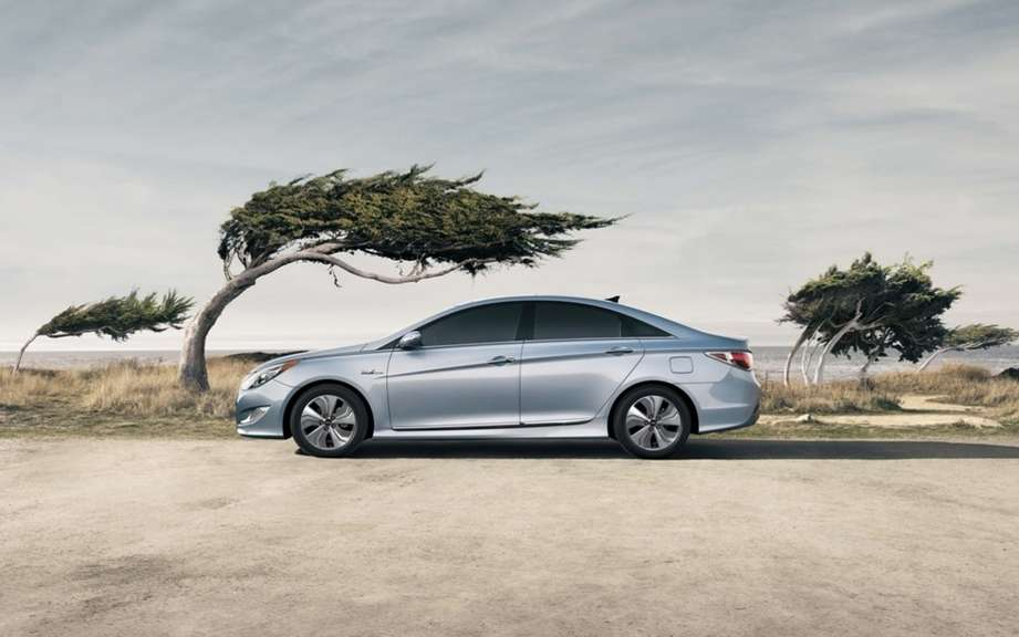 Hyundai Sonata Hybrid 2013: new technological configuration picture #3
