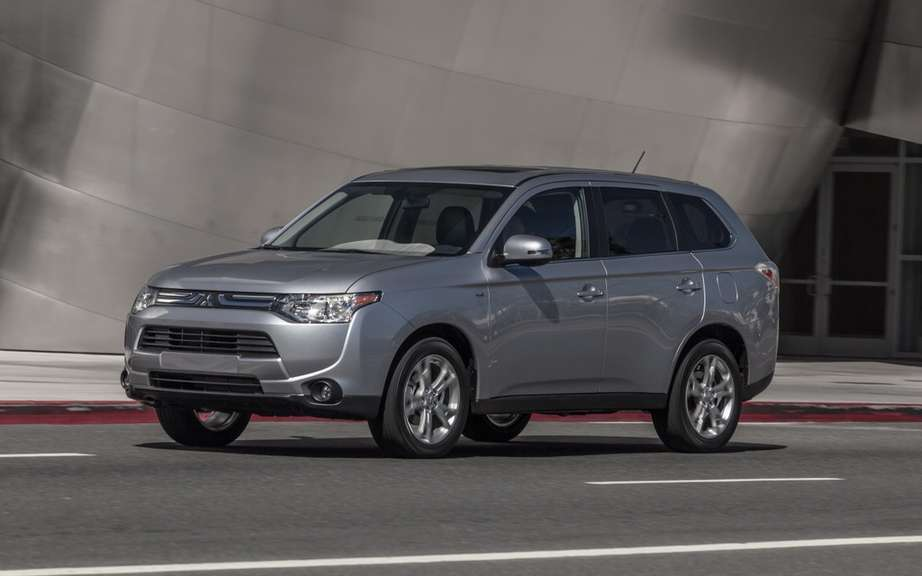 Mitsubishi Outlander 2014, more than three months wait! picture #5