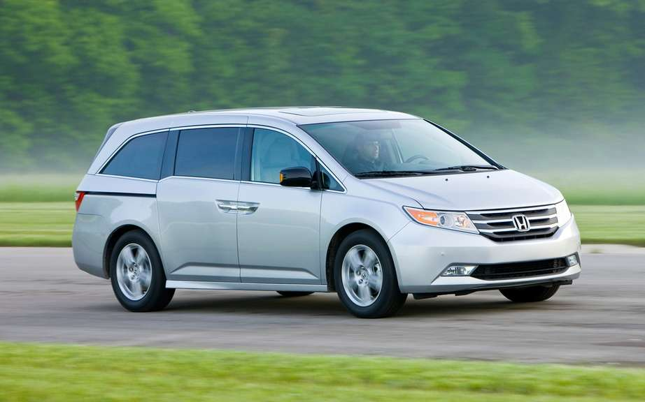 Honda Canada recalls 7800 vehicles