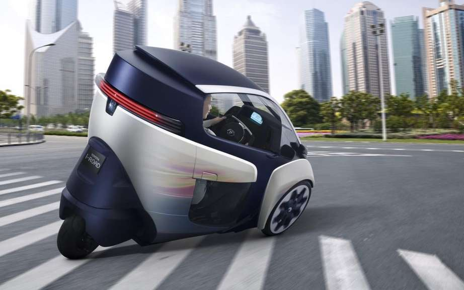 Toyota i-Road Concept: urban vehicle of choice picture #3