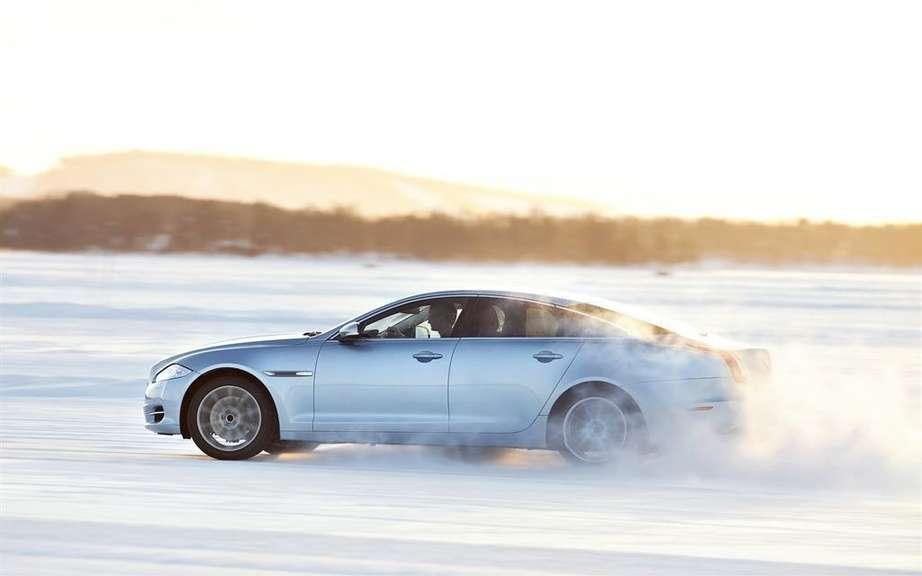 Jaguar Canada announces pricing AWD XJ and XKR-S Coupe picture #2