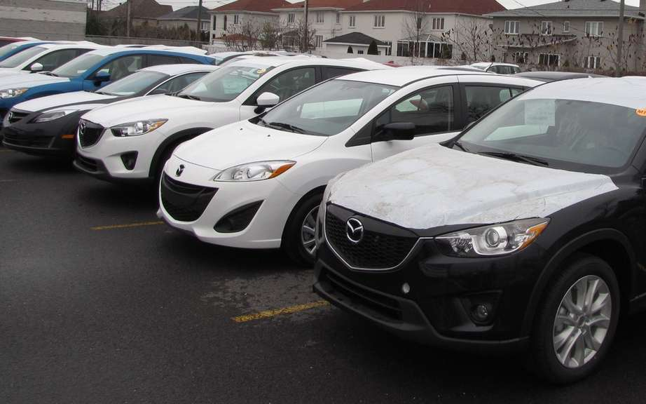 Canadian sales of vehicles fell 3.3 percent in February
