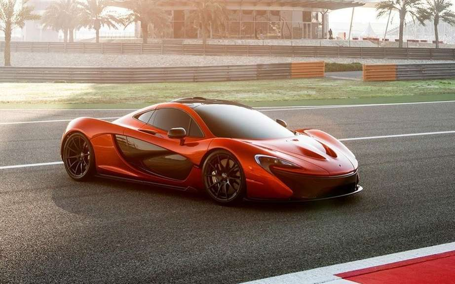 McLaren P1: an ultra lightweight cockpit picture #3