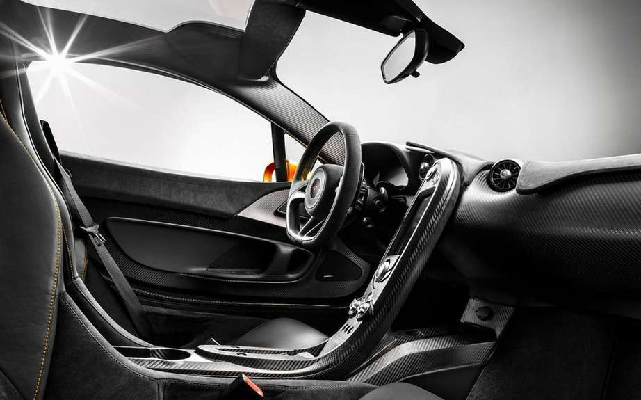McLaren P1: an ultra lightweight cockpit picture #5