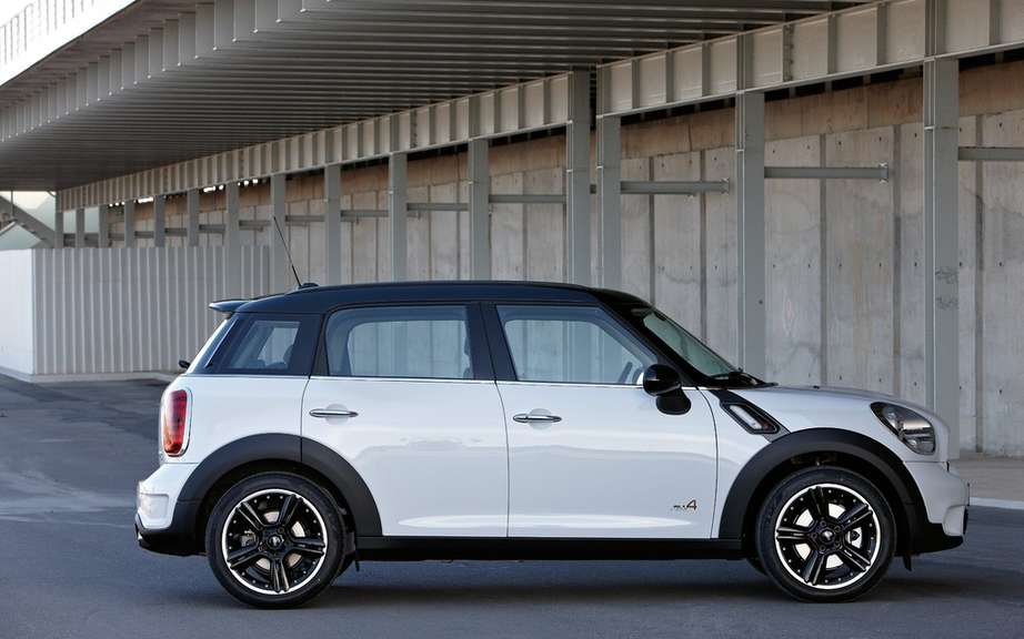 Mini Cooper five-door in 2014 picture #2